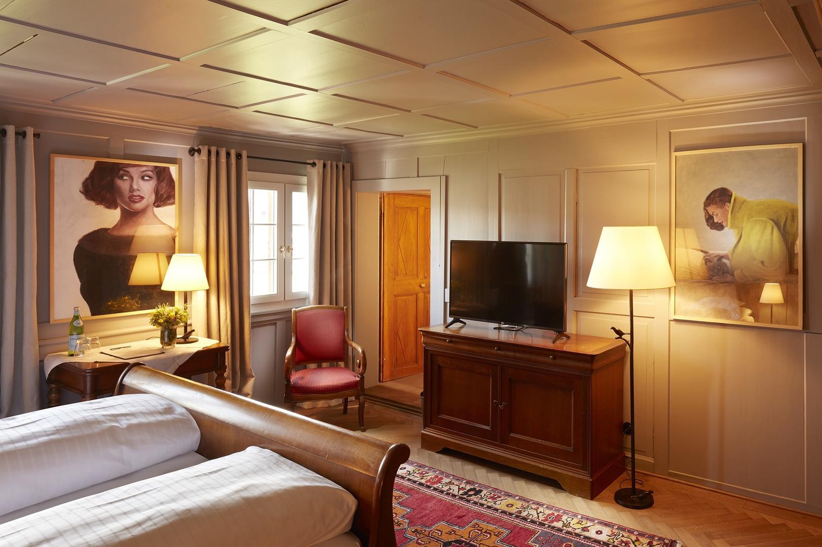dz superior 1755 hotel hirschen bregenzerwald. Black Bedroom Furniture Sets. Home Design Ideas